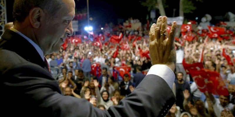 Social Media in an Age of Polarized Politics: Turkey and Beyond