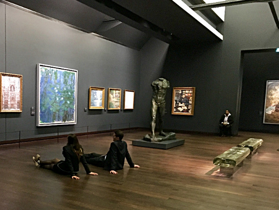 Students at the Musée d'Orsay