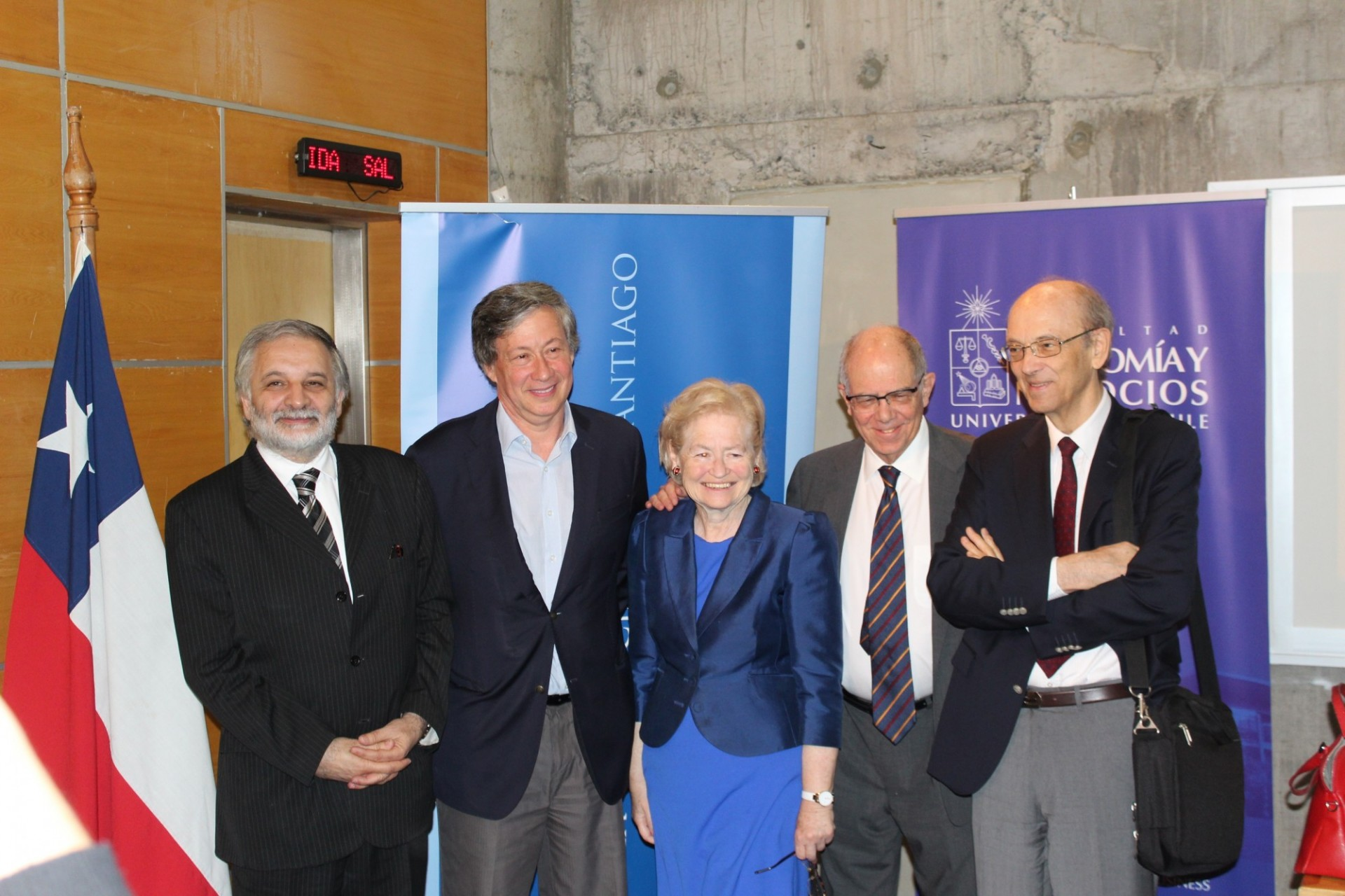 In the photograph: Stephany Griffith-Jones with Eduardo Bitran, Daniel Titelman, Manuel Agosin and Ricardo French-Davis