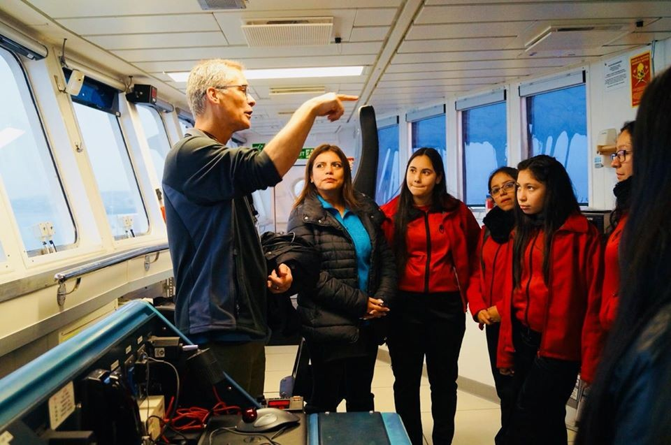 Columbia's Winckler Co-Leads Southern Ocean Research Expedition